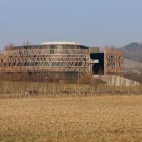 04-museo-y-parque-arqueologico-por-bernard-tschumi-architects
