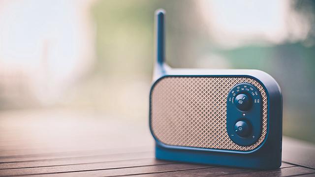 Mezzo Radio por Ionna Vautrin para Lexon