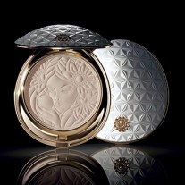the-muse-and-the-pearl-marcel-wanders-cosme-decorte