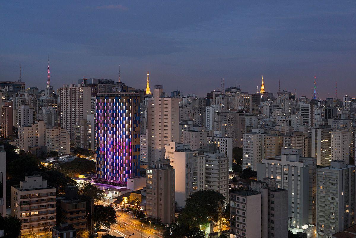 WZ Hotel por Guto Requena
