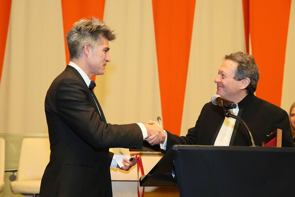03-alejandro-aravena-recibe-el-premio-pritzker-2016