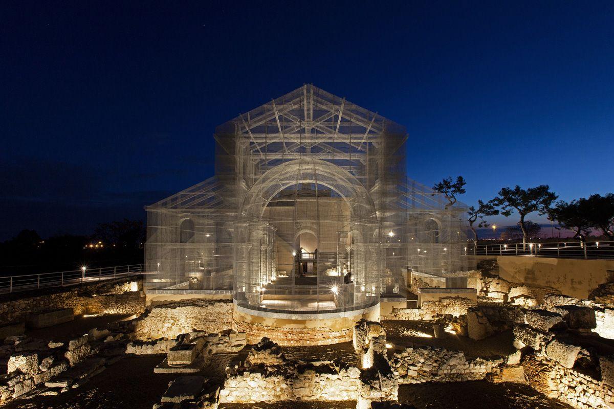 Basilica Santa Maria di Siponto por Edoardo Tresoldi