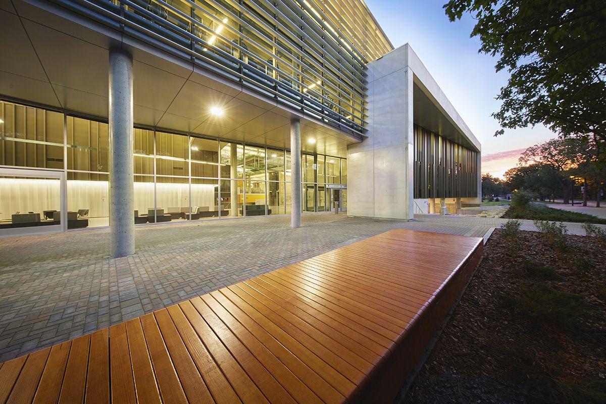 04-the-active-living-centre-por-cibinel-architects