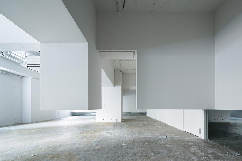 06-wall-cloud-ryuichi-sasaki