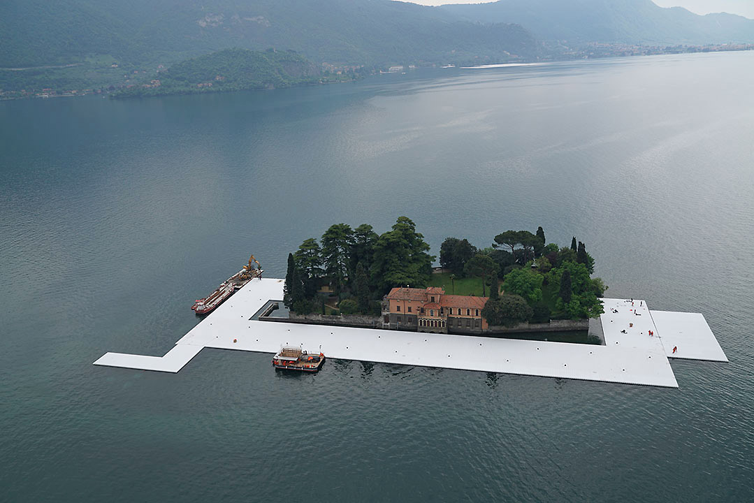 The Floating Piers 1