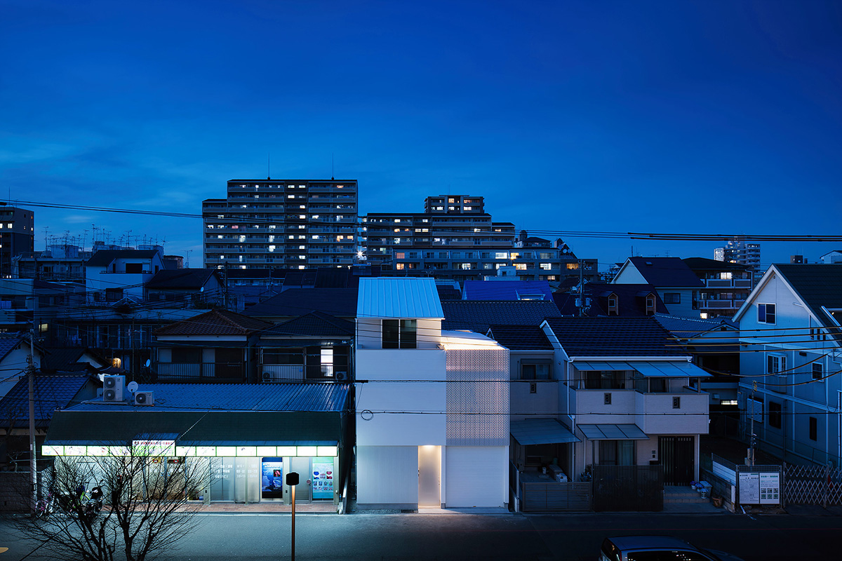 15-light-grain-yoshiaki-yamashita-architect-and-associates-photo-eiji-tomitas