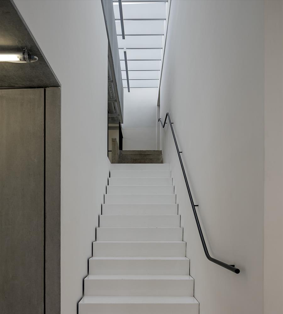 08-casa-triangulo-metro-arquitetos-associados-foto-leonardo-finotti