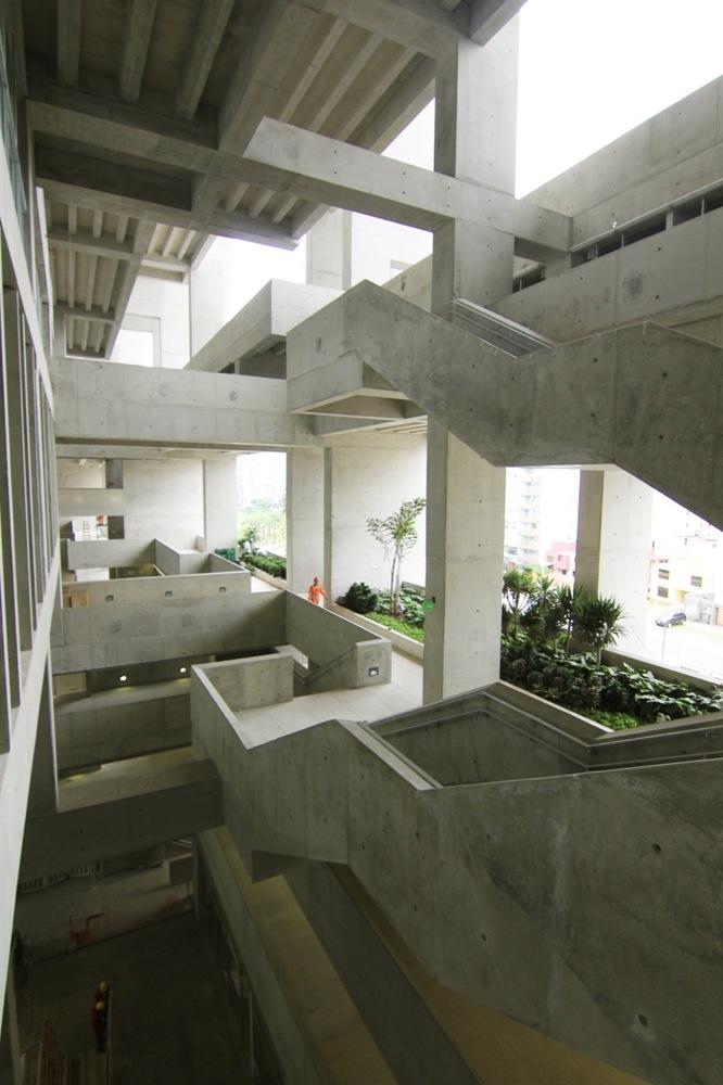 04-universidad-ingenieria-tecnologia-utec-grafton-architects-shell-arquitectos
