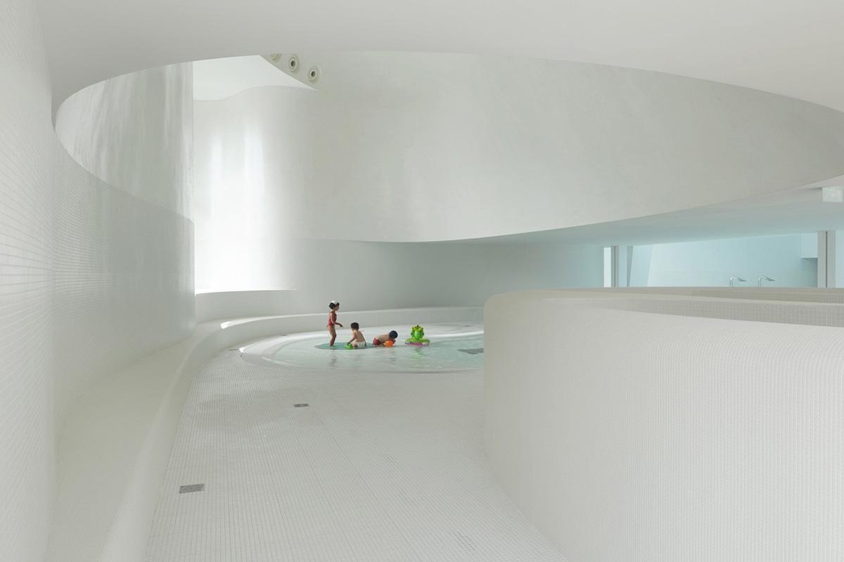 07-piscina-publica-en-bagneux-dominique-coulon-associes
