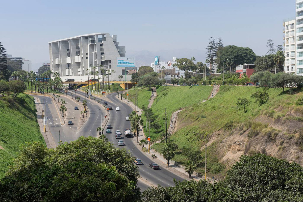 09-universidad-ingenieria-tecnologia-utec-grafton-architects-shell-arquitectos-foto-iwan-baan