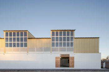 01-arquitectura-chilena-gimnasio-municipal-calera-tango-comun-arquitectos