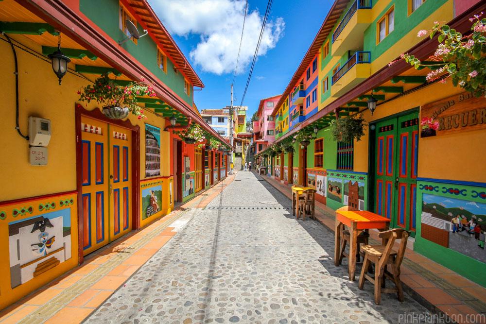 01-guatape-la-ciudad-mas-colorida-del-mundo-jessica-devnani