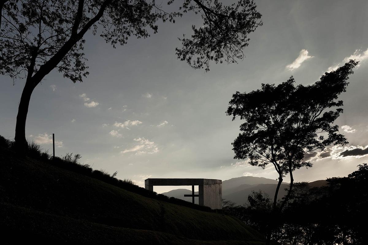 02-capilla-cardedeu-emc-arquitectura-foto-tom-arban