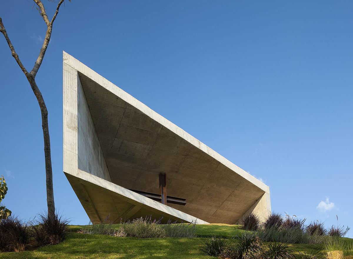 03-capilla-cardedeu-emc-arquitectura-foto-tom-arban