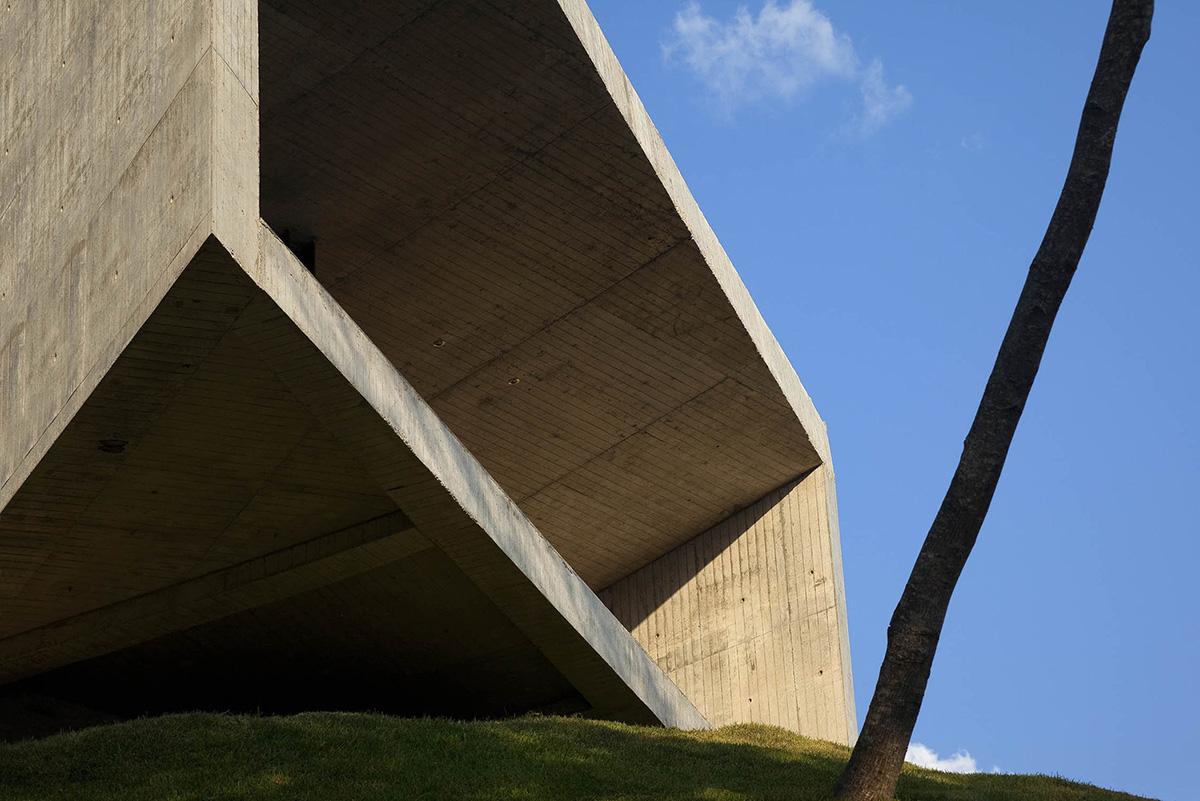 04-capilla-cardedeu-emc-arquitectura-foto-tom-arban