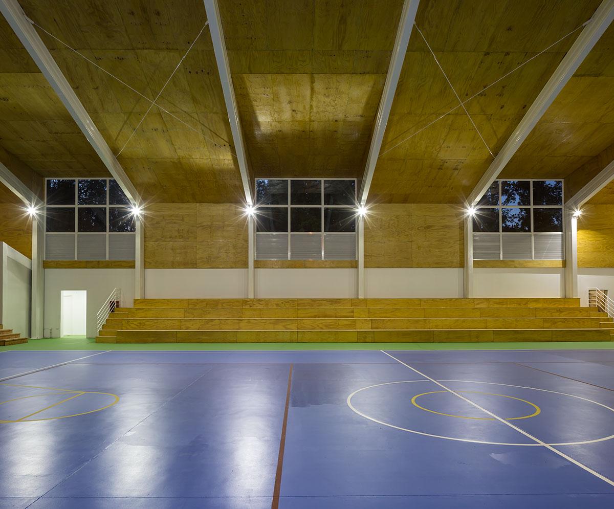 05-arquitectura-chilena-gimnasio-municipal-calera-tango-comun-arquitectos