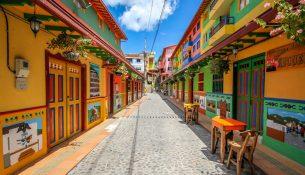 07-guatape-la-ciudad-mas-colorida-del-mundo-jessica-devnani