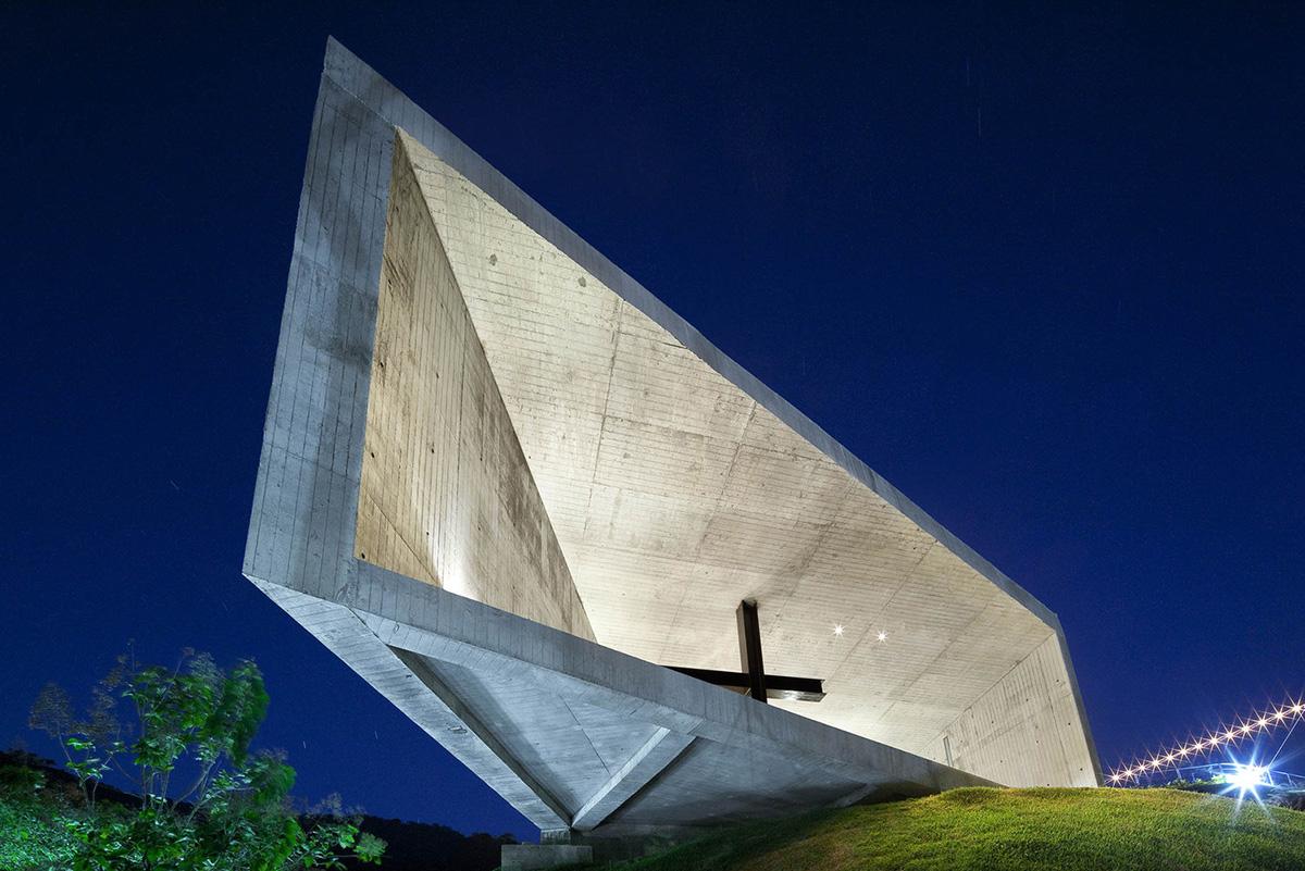 13-capilla-cardedeu-emc-arquitectura-foto-tom-arban