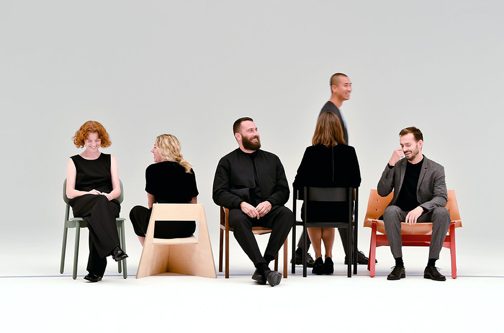 01-musical-chairs-cos
