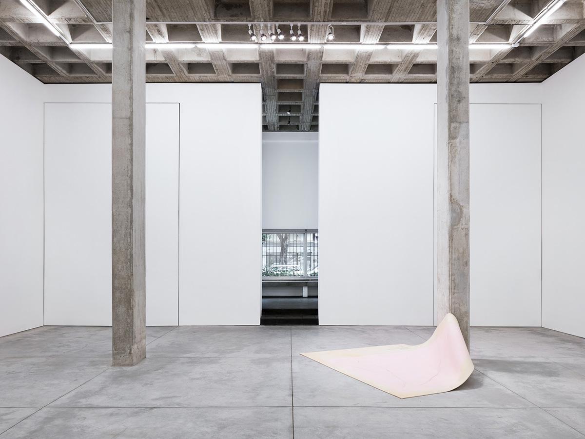 02-galeria-omr-mateo-riestra-jose-arnaud-bello-max-von-werz-foto-rory-gardiner