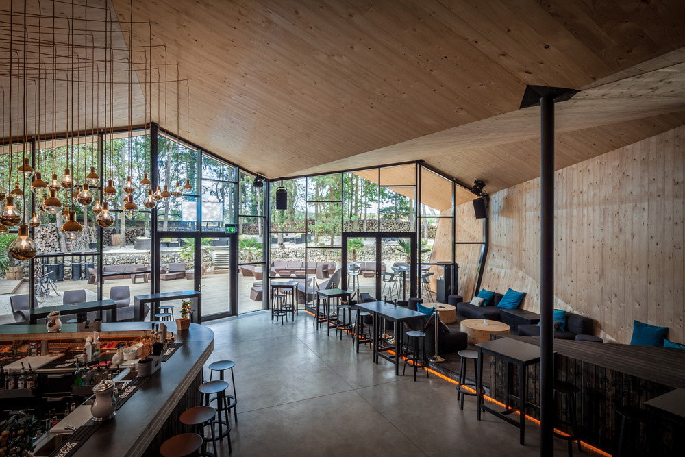 05-boos-beach-club-restaurant-metaform-architects-foto-steve-troes-fotodesign