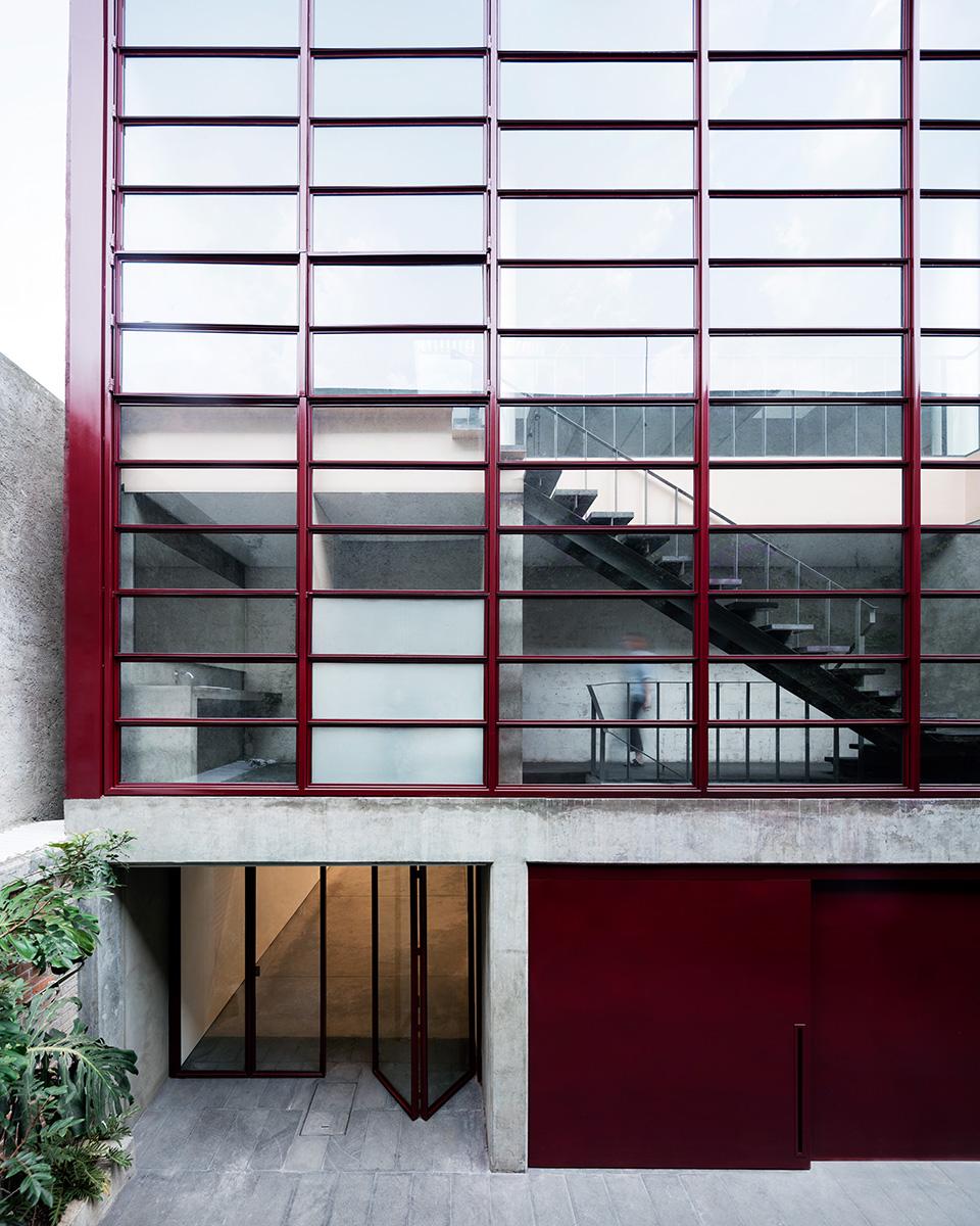 06-galeria-omr-mateo-riestra-jose-arnaud-bello-max-von-werz-foto-rory-gardiner