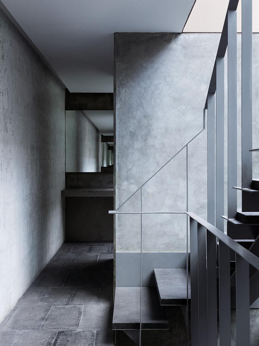 08-galeria-omr-mateo-riestra-jose-arnaud-bello-max-von-werz-foto-rory-gardiner