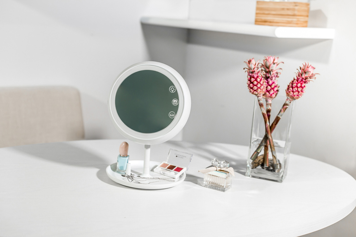 01-juno-smart-mirror