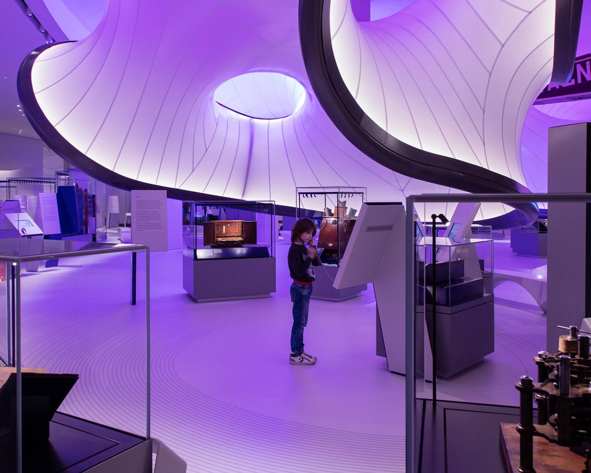 02-mathematics-gallery-zaha-hadid-architects-foto-luke-hayes