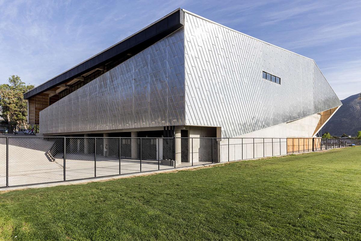 05-arquitectura-chilena-gimnasio-municipal-salamanca-carreno-sartorini-arquitectos