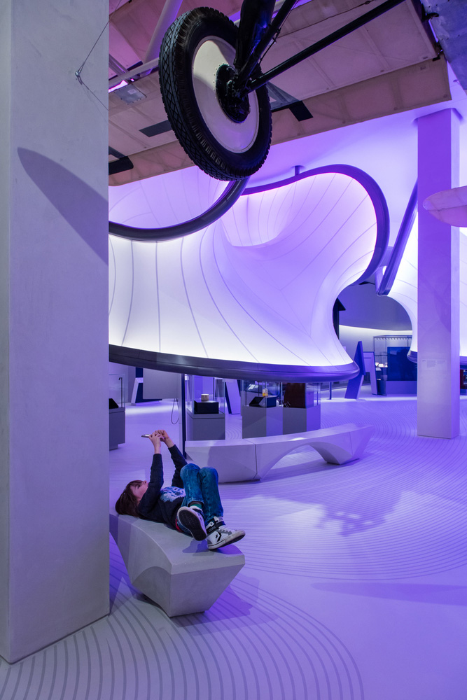07-mathematics-gallery-zaha-hadid-architects-foto-luke-hayes