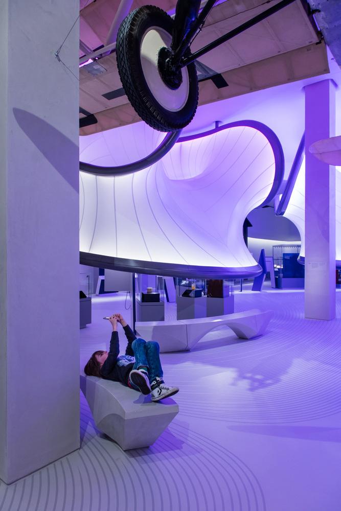 07-mathematics-gallery-zaha-hadid-architects-foto-luke-hayes