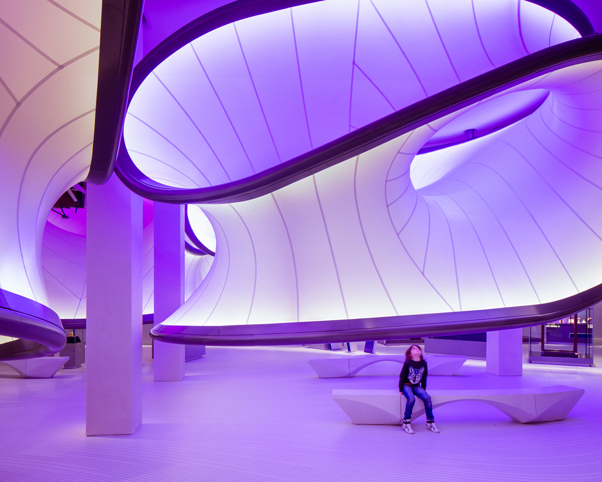 08-mathematics-gallery-zaha-hadid-architects-foto-luke-hayes