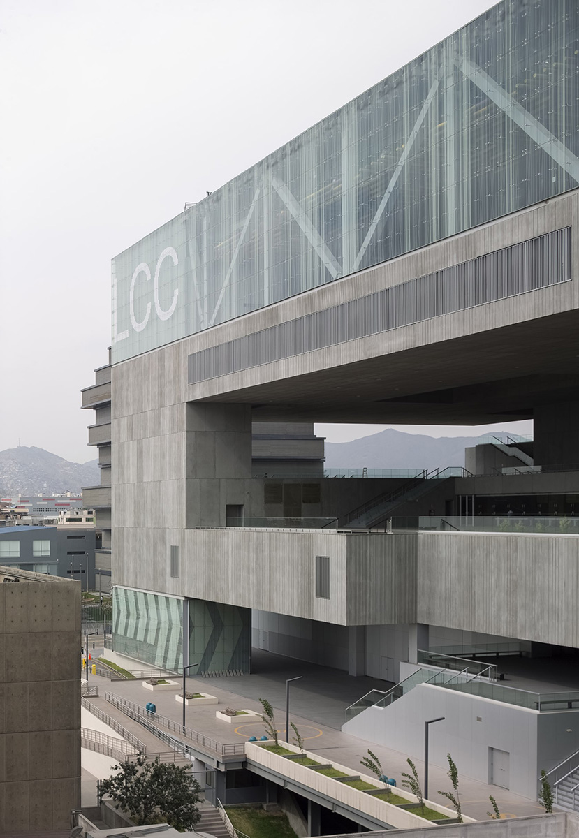 03-lima-convention-centre-idom