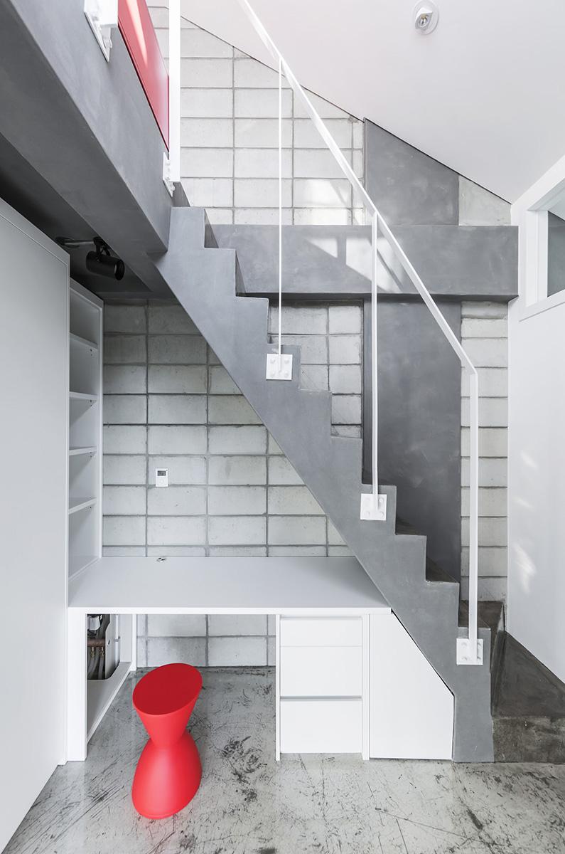 08-flying-house-iroje-khm-architects-foto-sergio-pirrone