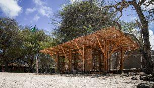 08-refugio-playa-man-the-scarcity-and-creativity-studio