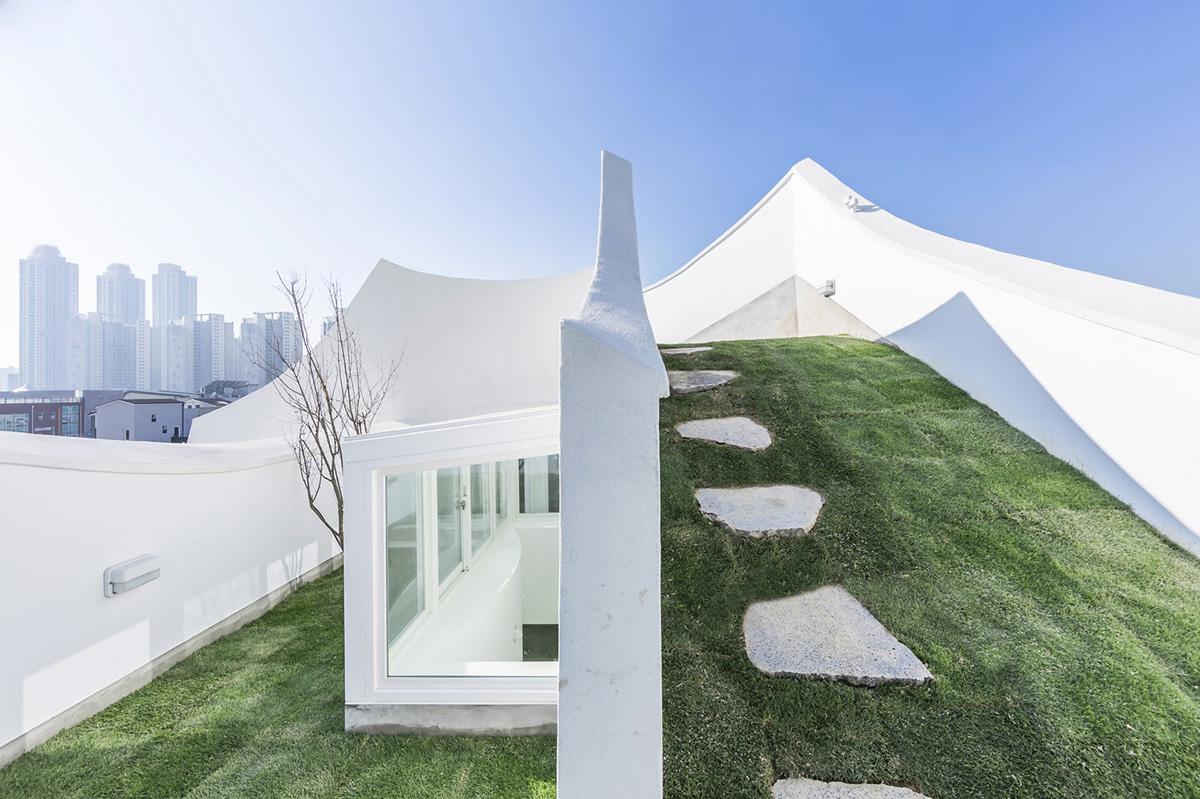 09-flying-house-iroje-khm-architects-foto-sergio-pirrone