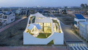 10-flying-house-iroje-khm-architects-foto-sergio-pirrone