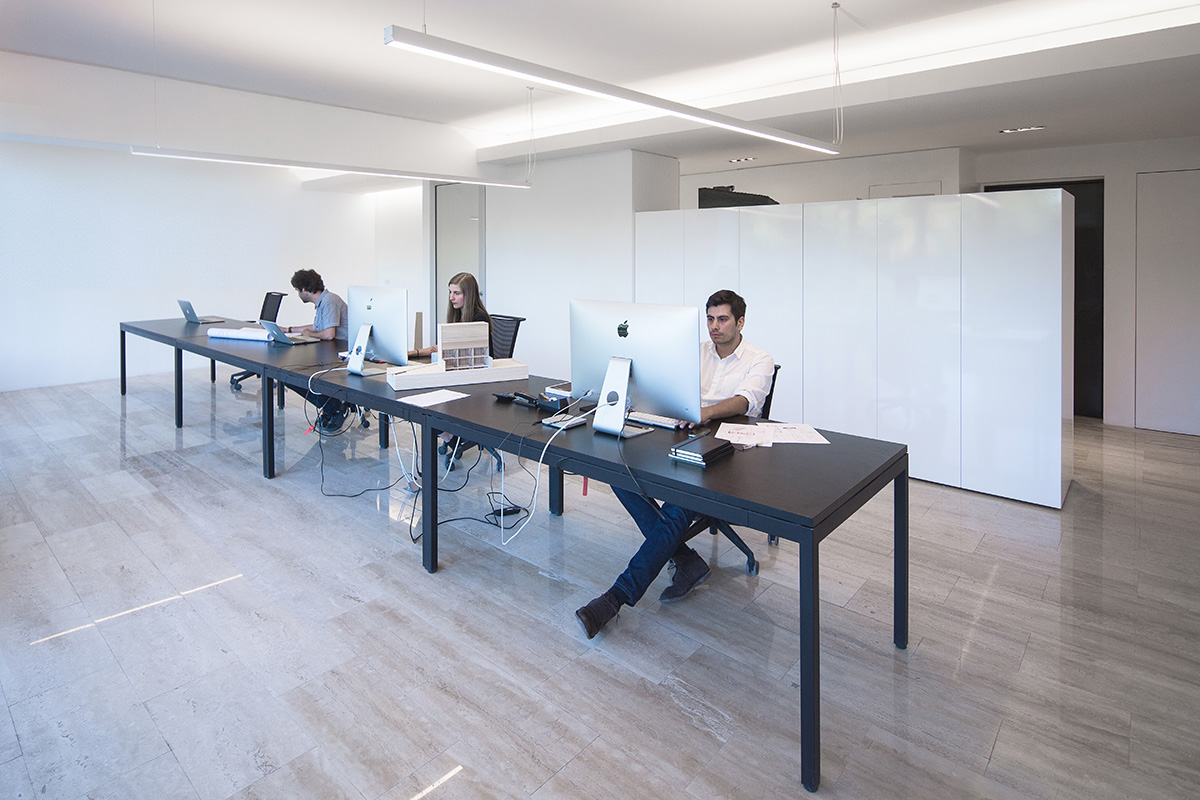 Ambientes 02 arquitectura chilena oficinas albert tidy for Arquitectura de oficinas