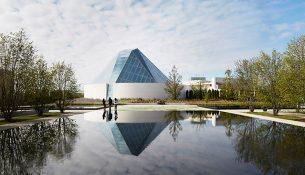 07-aga-khan-park-van-dyke-landscape-architects