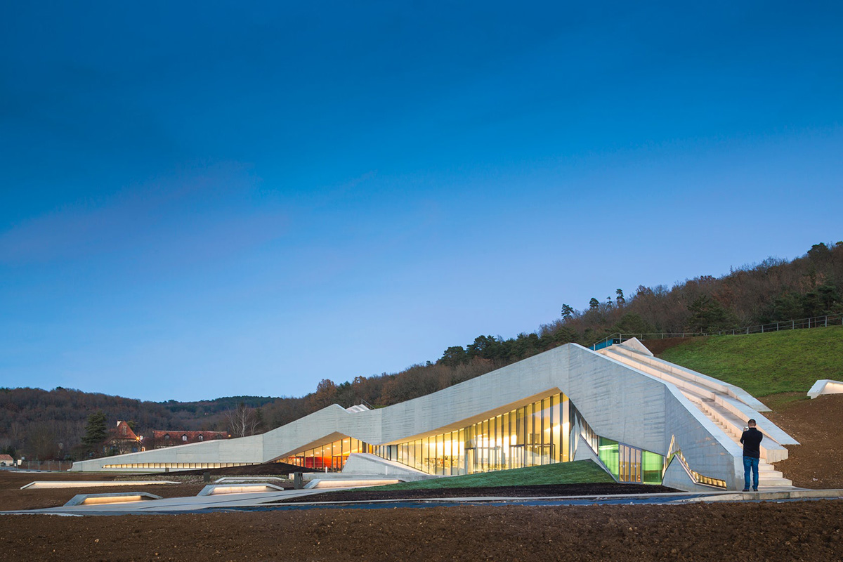 01-international-centre-for-cave-art-snohetta