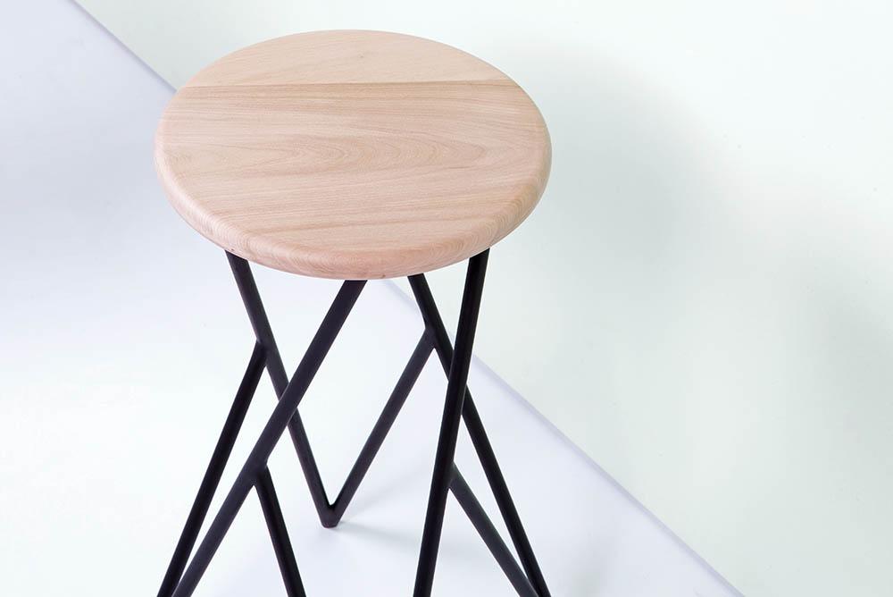 04-diseno-chileno-alberto-vitelio-linon-stool