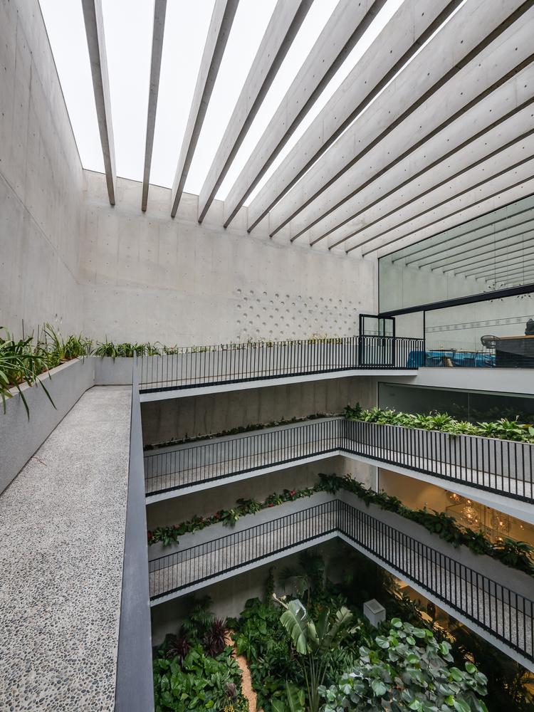 06-edificio-morphology-nomena-talia-valdez