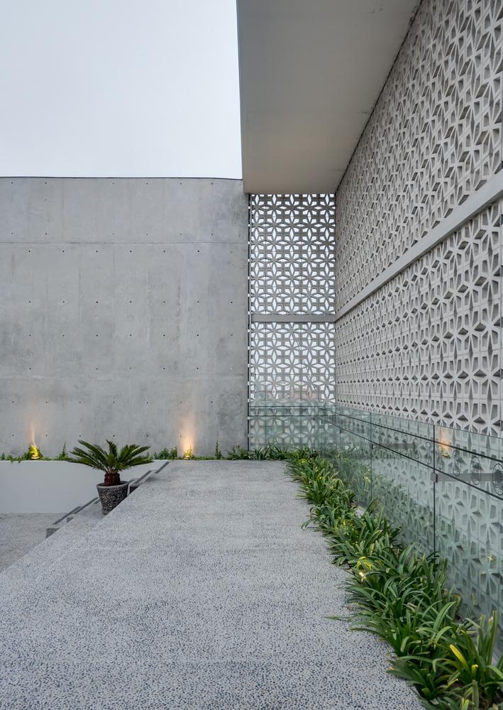07-edificio-morphology-nomena-talia-valdez