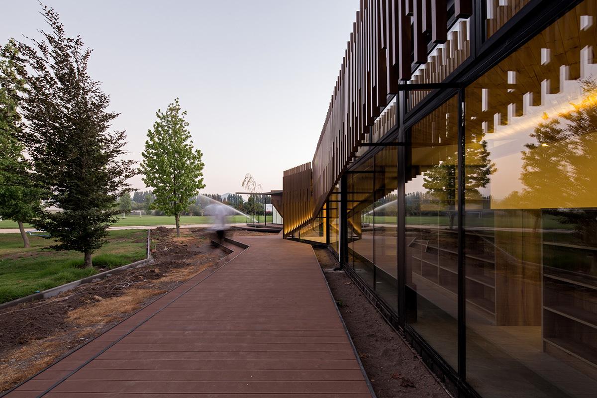 08-arquitectura-chilena-centro-de-arte-y-cultura-por-furman-huidobro-foto-nico-saieh