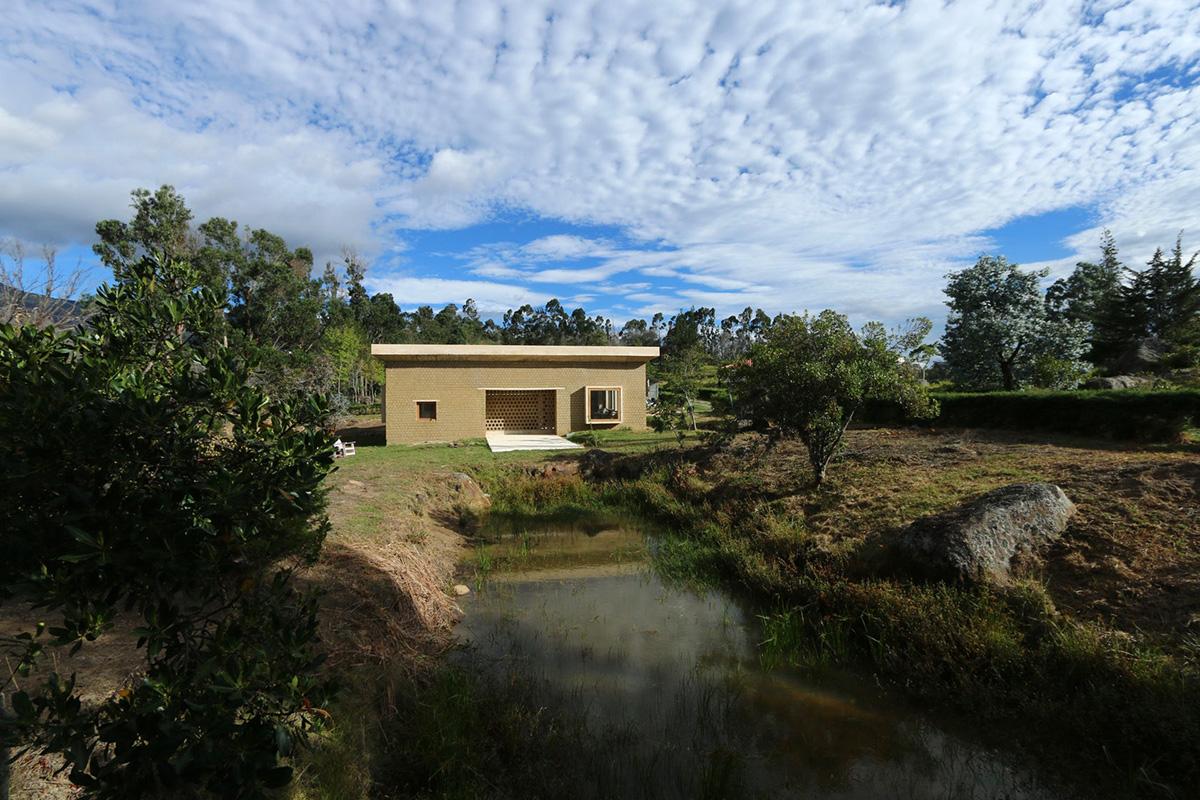 01-casa-tierra-arango-arquitecto