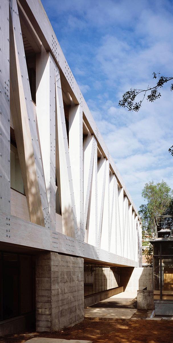 02-arquitectura-chilena-edificio-escuela-arquitectura-uc-gonzalo-claro