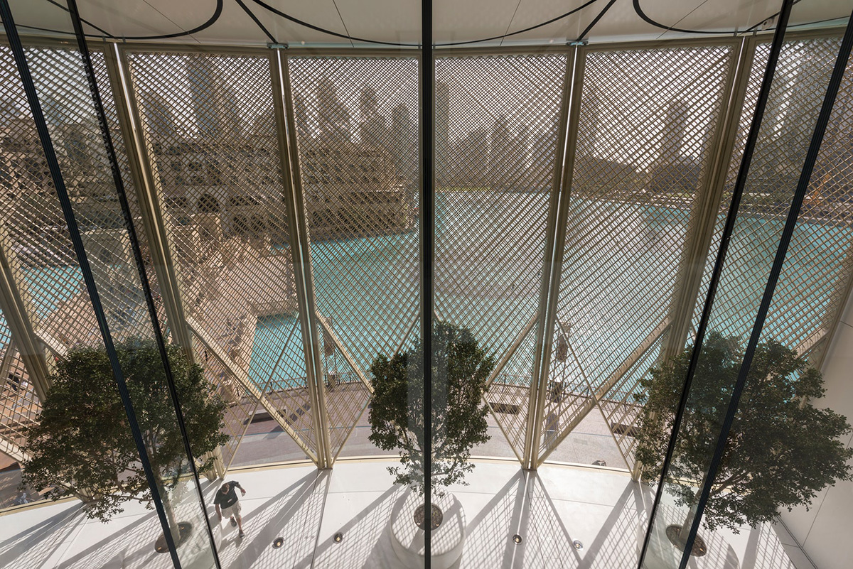 03-apple-dubai-mall-foster-partners-foto-nigel-young