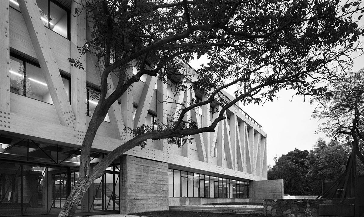 05-arquitectura-chilena-edificio-escuela-arquitectura-uc-gonzalo-claro