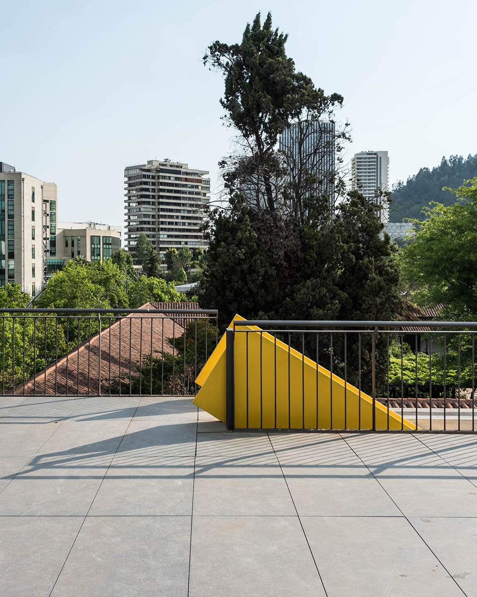 06-arquitectura-chilena-edificio-escuela-arquitectura-uc-gonzalo-claro